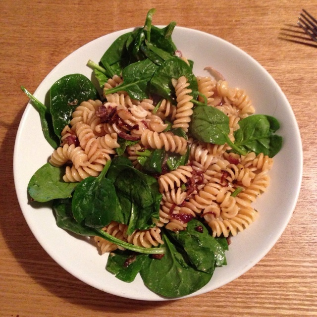 Pancetta, onion and spinach pasta